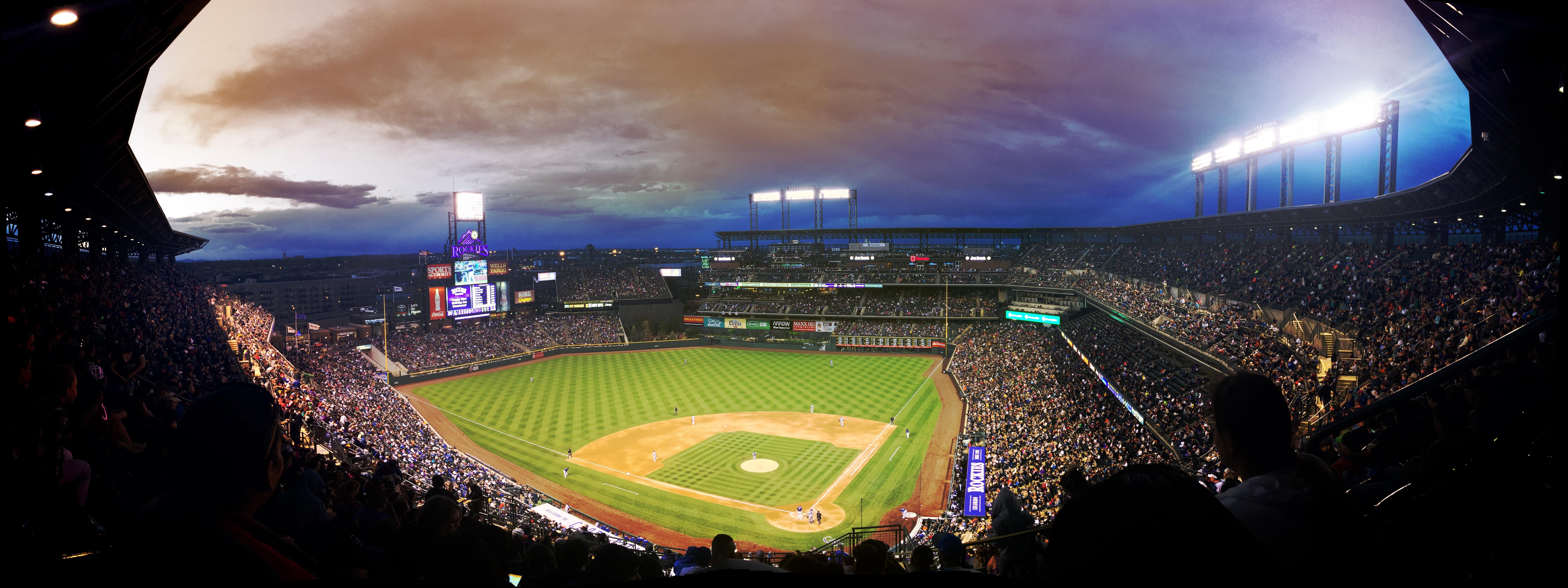 baseball-crowd-field-89699