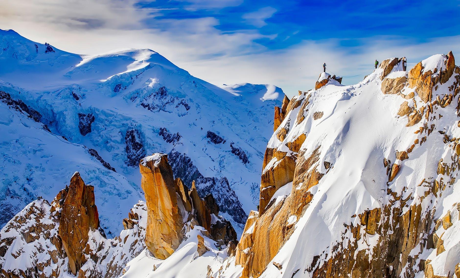 mountains-cosmiques-ridge-mountaineering-mountain-climbing-442403